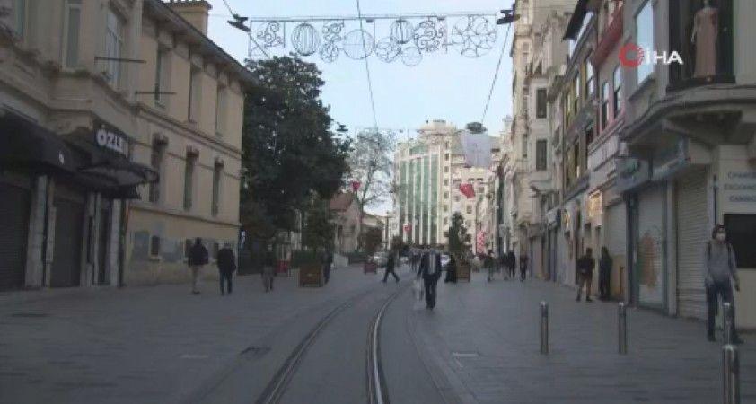 Tam kapanmayla birlikte İstiklal Caddesi turistlere kaldı