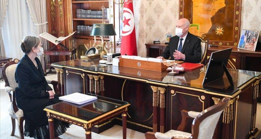 Tunus'ta yeni hükümet görevine başladı