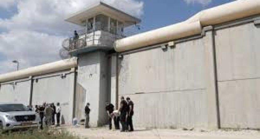 İsrail'de hapishaneden kaçan Filistinlilerden 2'si daha yakalandı