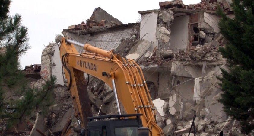 Büyükçekmece'nin ilk toplu konut projesiydi, yıkım çalışmaları başladı