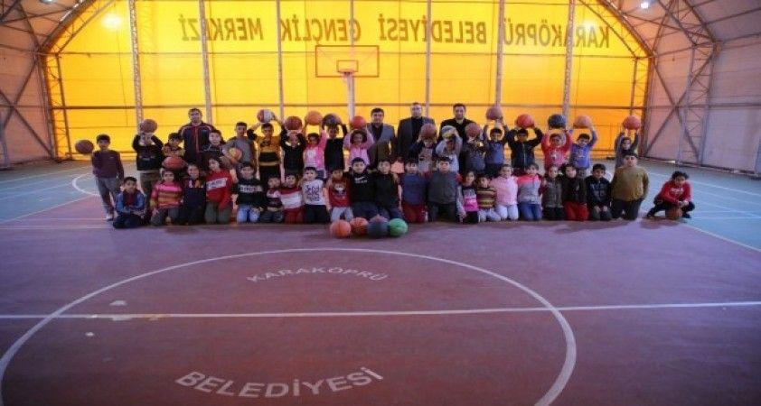 Karaköprü'de geleceğin basketbolcuları yetişiyor