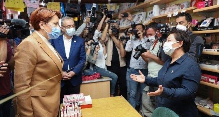 İYİ Parti Genel Başkanı Akşener, Niğde'de esnafla buluştu