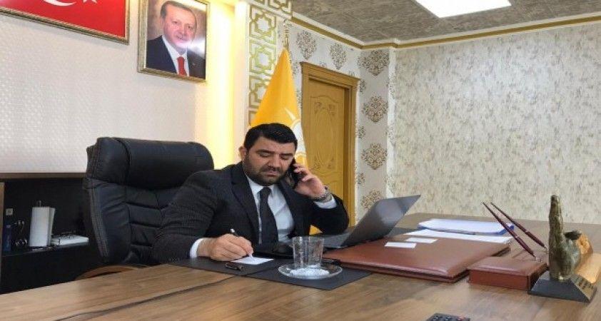 Ceyhan'da AK Parti yaşlı üyeleri için ekip kurdu