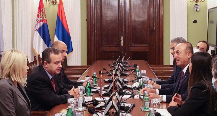 Bakan Çavuşoğlu, Sırbistan Ulusal Meclis Başkanı Daçiç ile görüştü