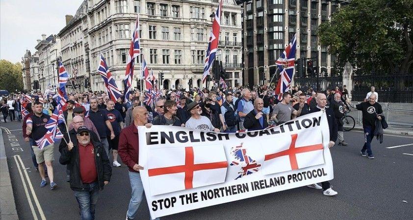 İngiltere'de birlik yanlıları Kuzey İrlanda Protokolü'nü protesto etti