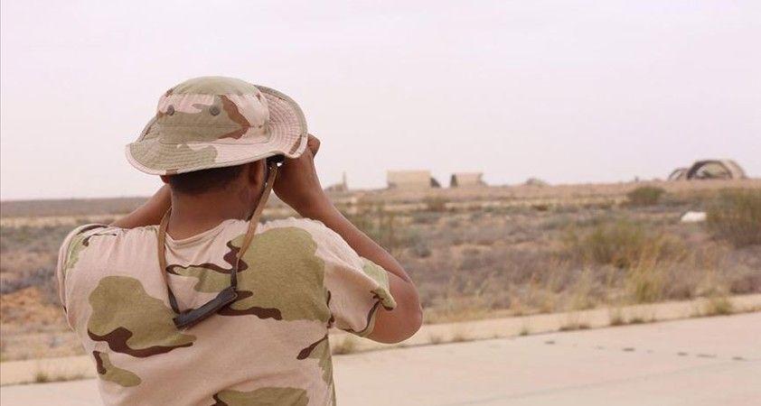 Hafter milisleri göstericileri keyfi olarak alıkoyuyor