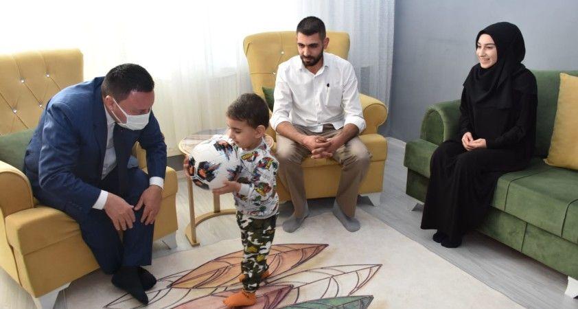 Başkan Beyoğlu'ndan şehit Yasin Börü ve aynı olayda ağır yaralanan Yusuf Er'e vefa ziyareti