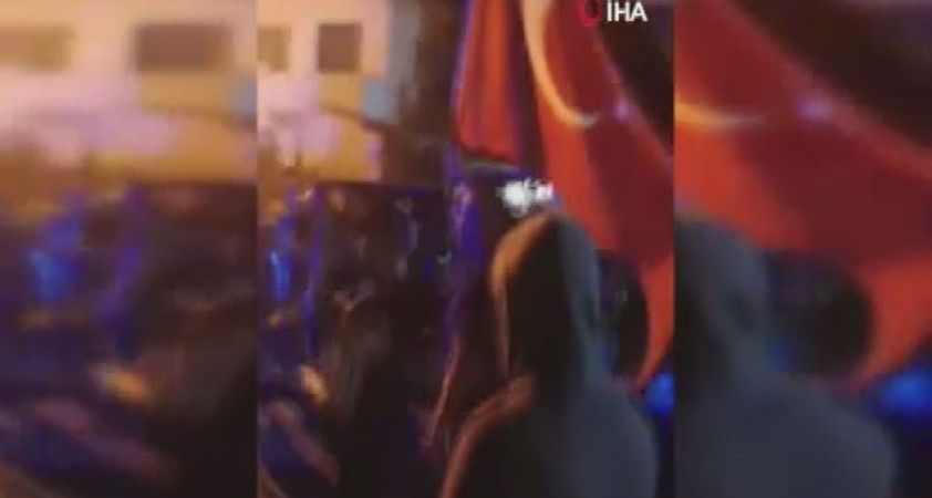 Rumlar Türk tarafına yürüdü, olayı duyan Kıbrıs Türk halkı bölgeye akın etti