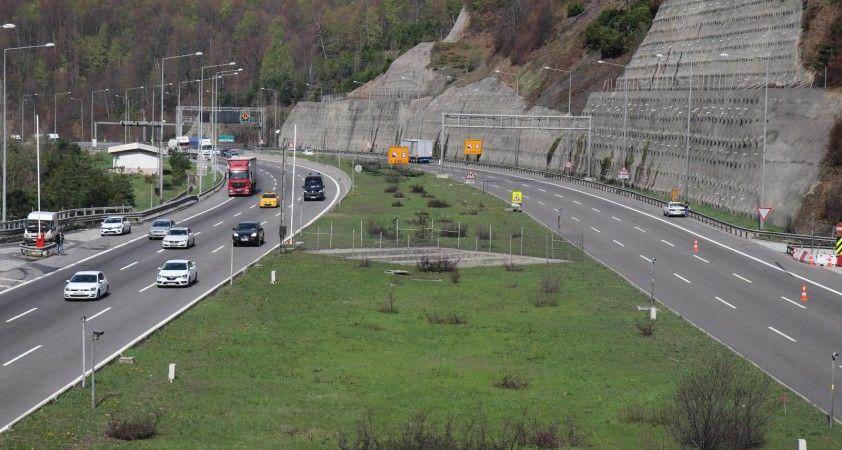 TEM'in Bolu Dağı geçişinde tam kapanma öncesi trafik yoğunluğu