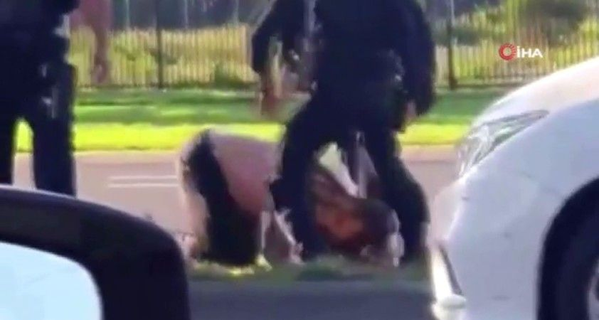 Avustralya'da polisin kafasını tekmelediği kişi yoğun bakımda
