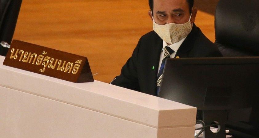 Tayland'da meclis, protestolar arasında anayasal reform tasarılarını onayladı
