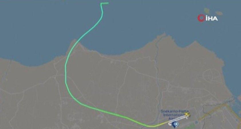 Endonezya'da yolcu uçağı seferini yaparken radardan kayboldu