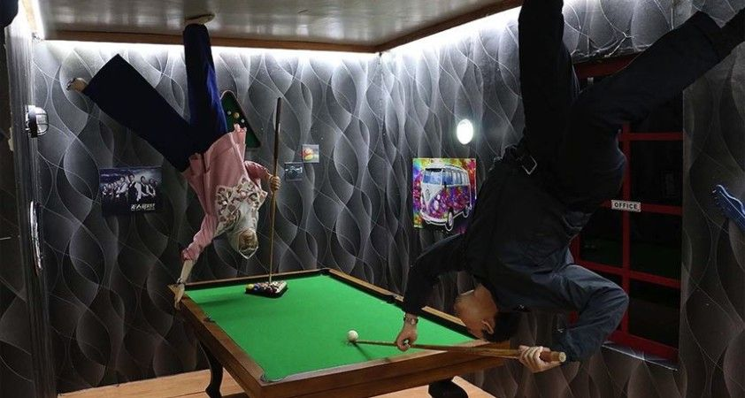 Endonezya'da 'Ters Ev' fotoğraf meraklılarının yeni mekanı oldu