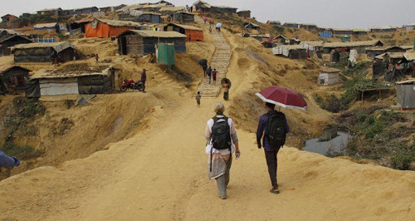 Rohingyaların kaldığı mülteci kamplarında çatışma: En az 8 ölü