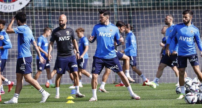 Fenerbahçe'de Trabzonspor maçı hazırlıkları sürüyor
