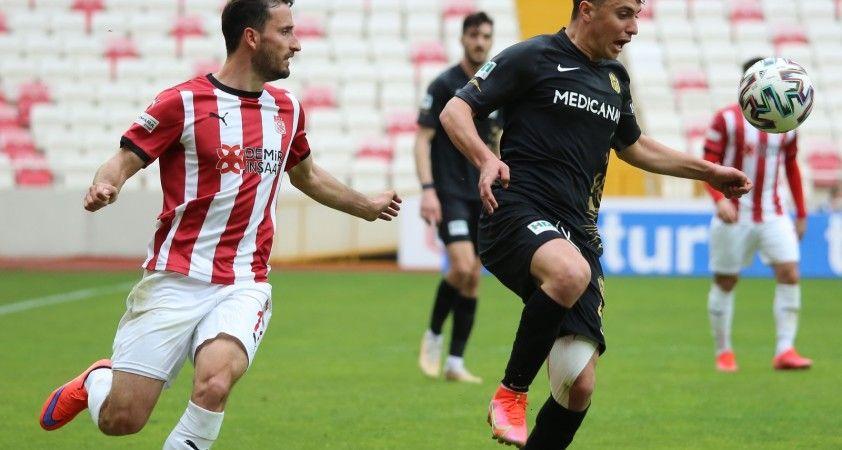 Süper Lig: D.G. Sivasspor: 0 - H.Y. Malatyaspor: 0 (İlk yarı)