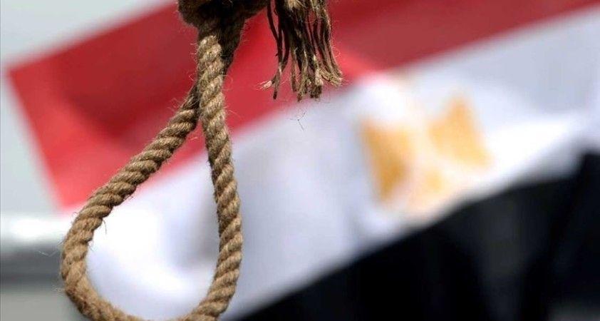 Mısır'da şiddet olaylarına karıştıkları iddiasıyla yargılanan 4 sanığa idam cezası verildi