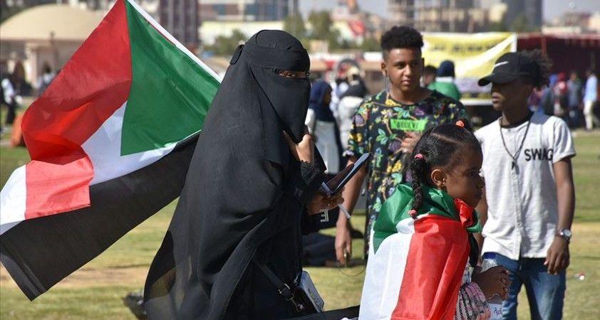 Sudan'da binlerce eylemci 'devrimin gidişatının düzeltilmesi' talebiyle sokaklara indi