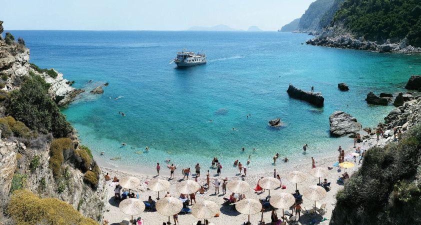 Yunanistan'da adalara ulaşım yeniden başladı