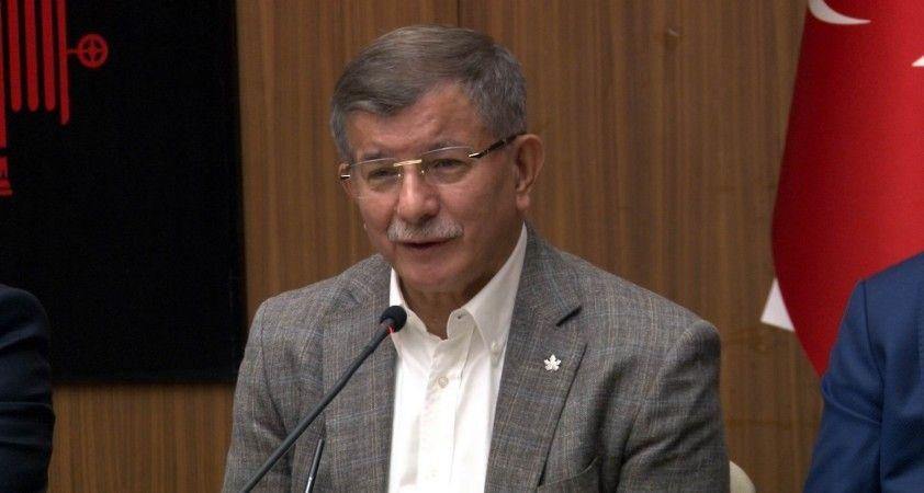 """Ahmet Davutoğlu: """"Şu anda hiçbir ittifakın parçası değiliz"""""""