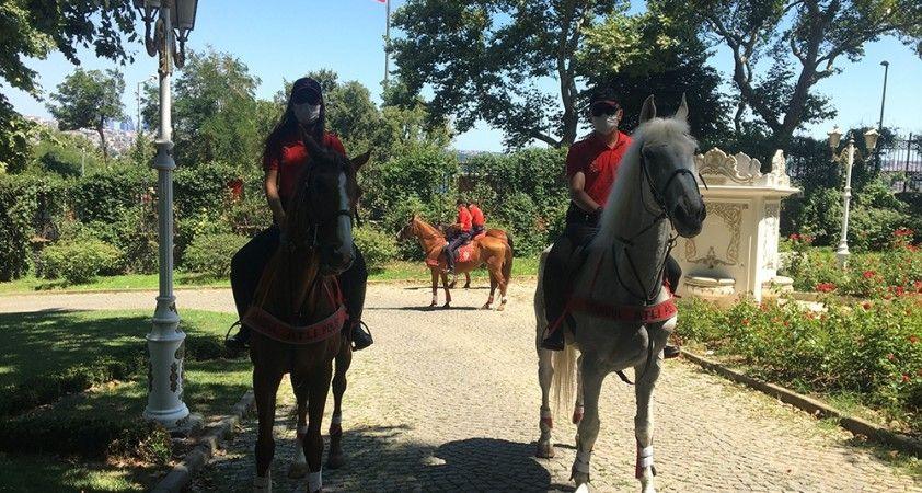 Kurban Bayramı'nda atlı polislerden Gülhane Parkı'nda denetim