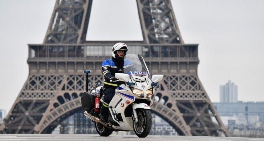 Fransa'da polisler de maske yetersizliğine tepki gösterdi