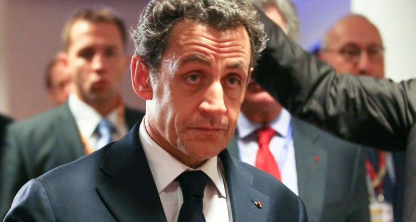 """Sarkozy, """"suç örgütü kurmakla"""" suçlanıyor"""