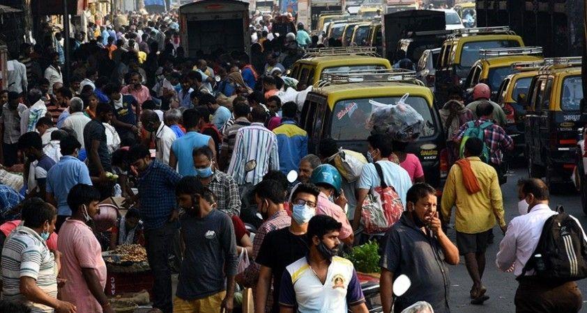 Hindistan'da Kovid-19 salgının başından bu yana en yüksek günlük vaka sayısı tespit edildi