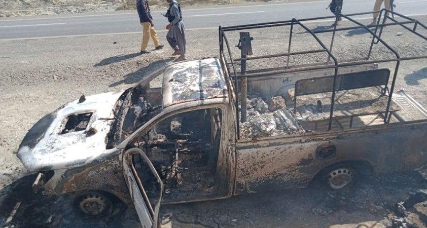 Pakistan'da terör saldırısı: 14 asker öldü