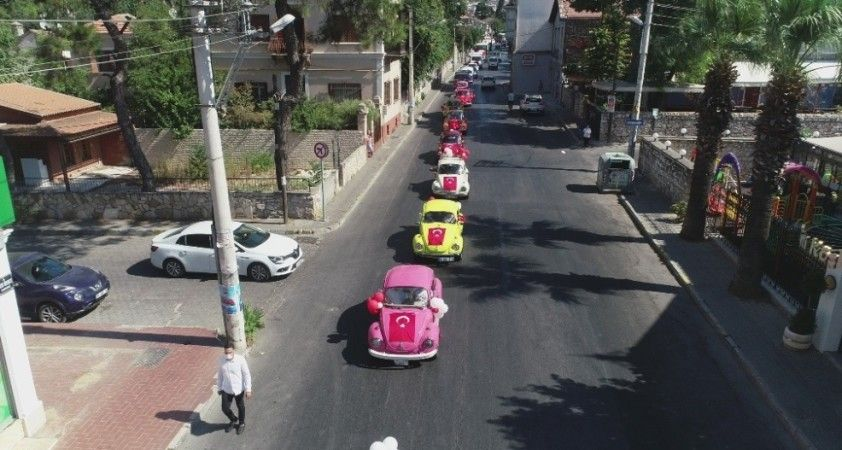 İzmir'in kurtuluş günü etkinliklerine renkli kortej