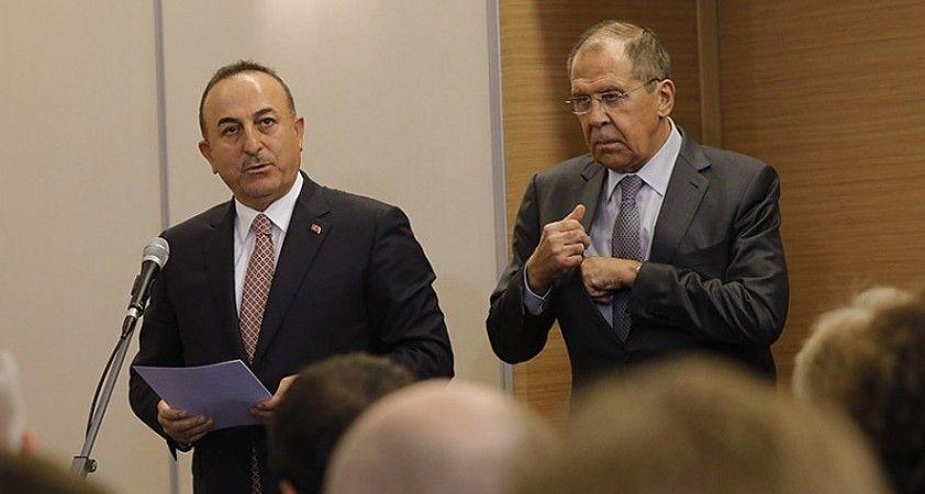 Çavuşoğlu ve Lavrov Ermenistan'ın ateşkes ihlallerini görüştü