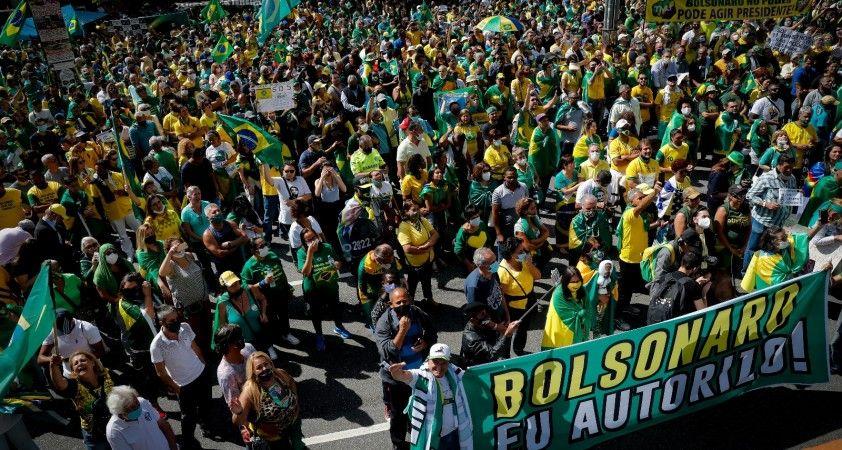 Brezilya'da Bolsonaro destekçileri sokağa indi