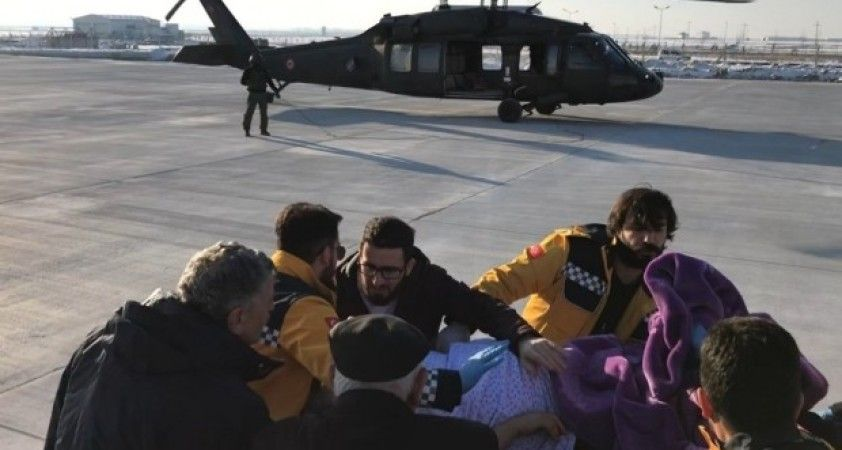 Yaşlı kadın, askeri helikopterle getirildiği Muş'ta tedavi altına alındı