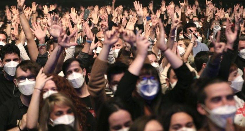 İspanya'da sosyal mesafesiz konsere katılanlarda enfeksiyon belirtisi görülmedi