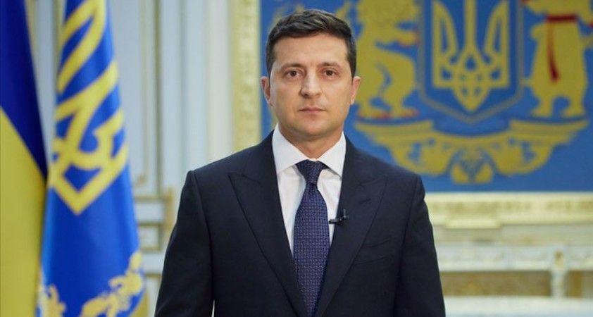 Ukrayna ülkenin temel sorunlarına ilişkin halkın görüşünü alacak