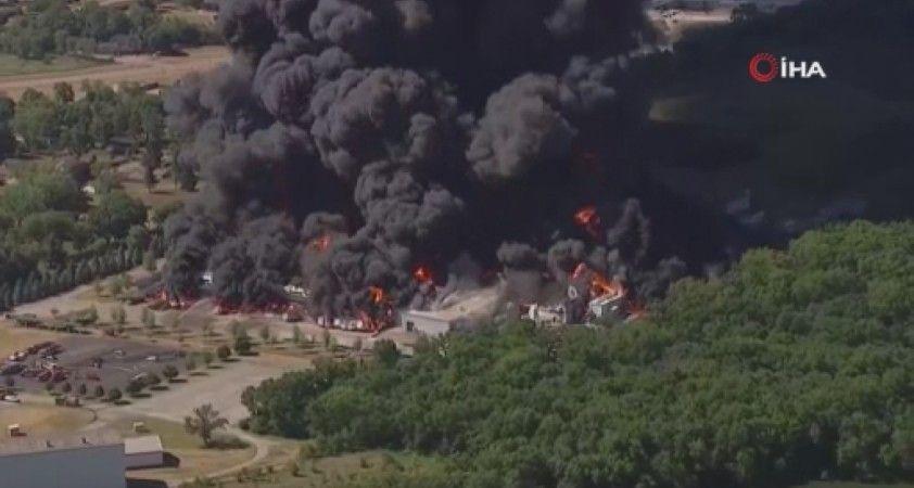 ABD'de kimyasal madde üretilen tesisteki şiddetli patlama kamerada