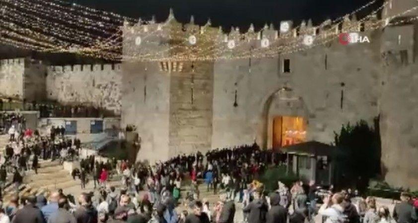 Kudüs'te İsrail güçleri ile Filistinliler arasındaki çatışmalar devam ediyor