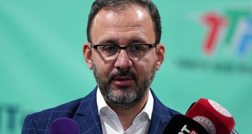 Bakan Kasapoğlu'ndan Vakıfbank Kulubü'ne tebrik mesajı