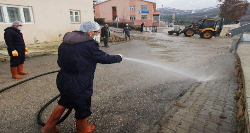 Bayburt'ta cadde ve sokaklar tazyikli suyla yıkanıyor