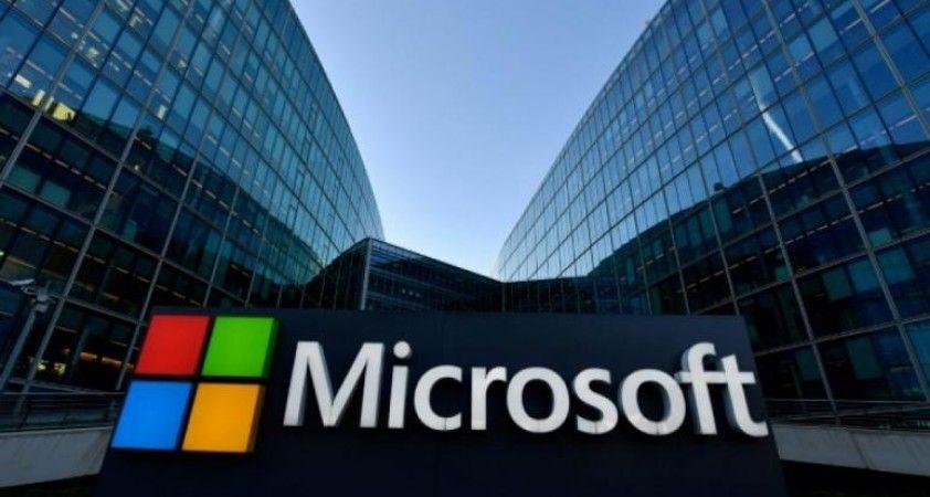 Microsoft tüm Facebook ve Instagram reklamlarını askıya aldı