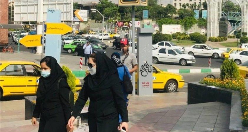İran'da Kovid-19 kısıtlamaları yüksek ve orta riskli kentlerde bir hafta daha uzatıldı