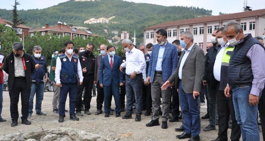 """Bakan Kurum: """"Sel bölgesinde toplamda 952 konut ve 170 tane köy evinin yapımına başladık"""""""