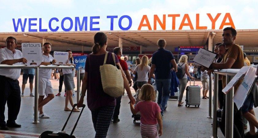 Antalya 3 milyon 356 bin turist ağırladı: İlk sırayı Ruslar aldı