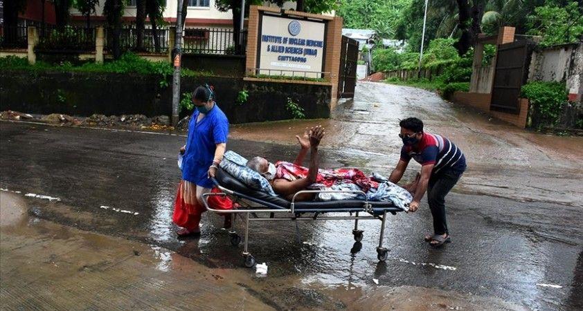 Bangladeş'te iklim değişikliği sebebiyle artan hastalıklar ruh sağlığını da etkiliyor