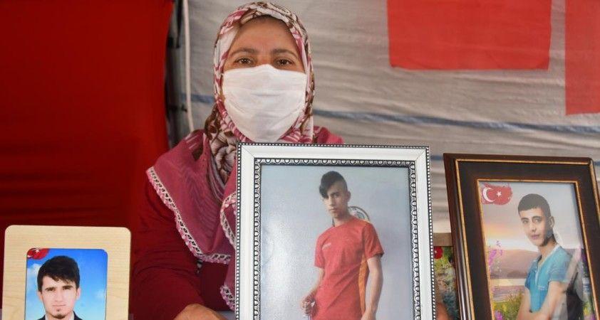 Diyarbakır annelerinden Saadet Ödümlü: Oğlum gelene kadar gitmeyeceğim