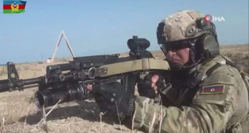 """Azerbaycan'da """"Üç Kardeş 2021"""" tatbikatında askerler düşman hattına sızarak hedefleri yok etti"""
