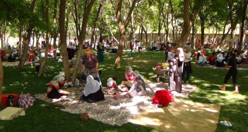 Silvan'da bin 200 yıllık 'Gülan' bayramı korona virüs salgını nedeniyle iptal edildi