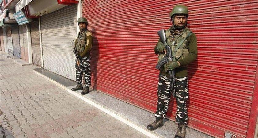 Özel statüsü kaldırılan Cammu Keşmir'de Müslümanlar etkisizleştiriliyor
