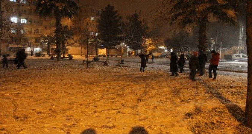 Mardin Kızıltepe 6 yıl aradan sonra beyaza büründü