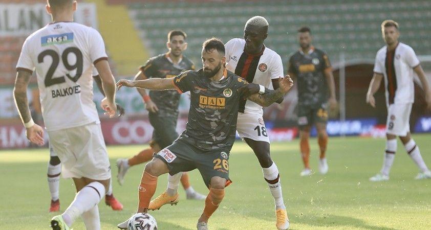 Süper Lig: Aytemiz Alanyaspor: 2 - Fatih Karagümrük: 0 (Maç sonucu)